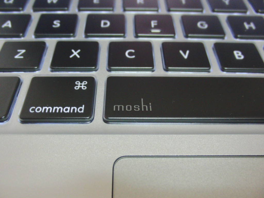 moshi_clearguard_mb_21